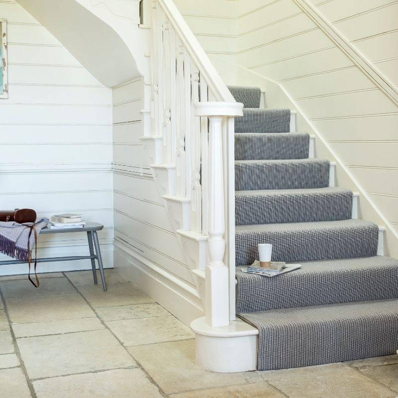 grey patterned stairway carpet