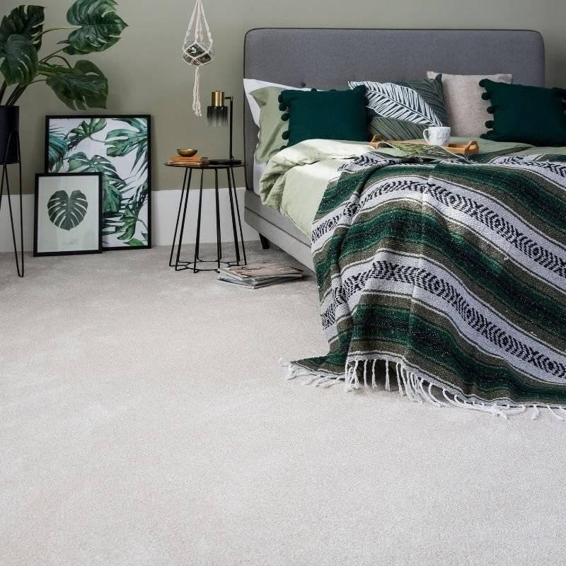 Cormer Carpets - cream carpet in bedroom